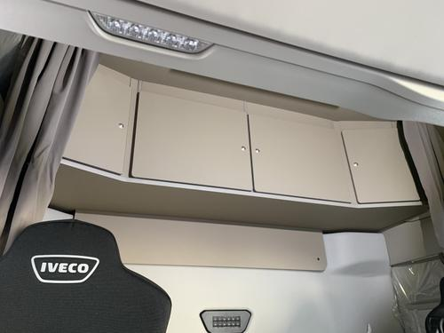 Szafka czterodrzwiowa na tył kabiny do Iveco S-Way Active Space Wysoka (beżowa), nr kat. 26566ES2002 - zdjęcie 1